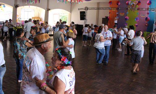 Melhor Idade abre programação carnavalesca em Bituruna