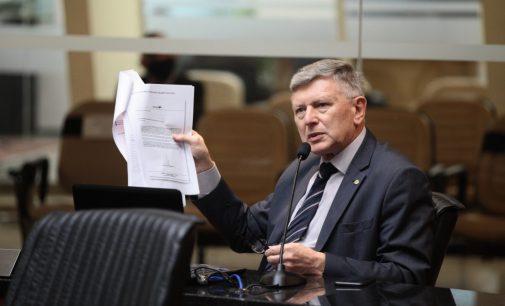 Deputado pede afastamento do secretário da Saúde de SC no caso dos respiradores fantasmas