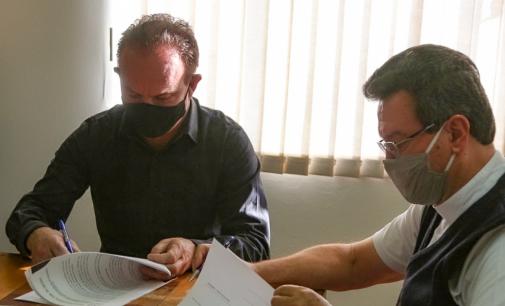 Uniguaçu oficializa contrato com a Mitra Diocesana de Caçador
