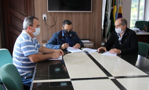 Convênio no valor de R$ 200 mil viabiliza compra de 25 mil mudas de videiras em Bituruna